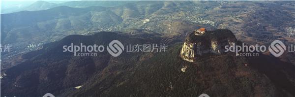 山,山峰,山脉,群山,森林,君山,抱犊崮国家森林公园,抱犊崮,全景,景区
