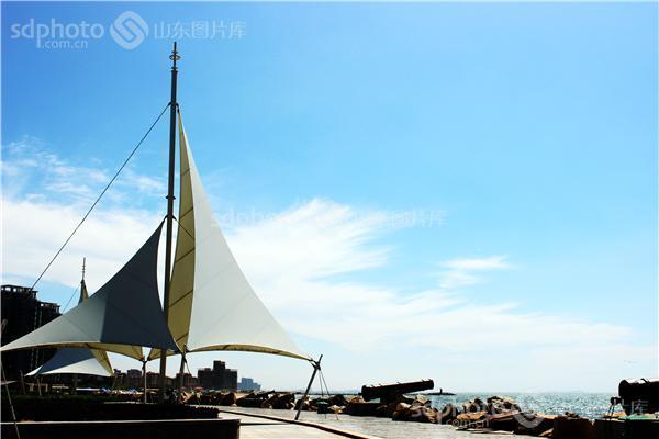 图片说明:2013年7月拍摄于南山学院附近的东海月亮湾