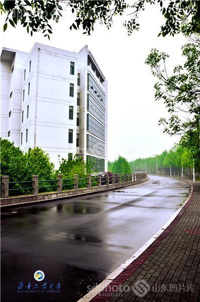 图片关键字:齐鲁工业大学,校园,大学,青春,纪念,山东轻工业学院,艺术