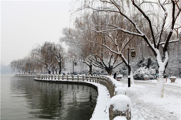 济南大明湖冬日风景