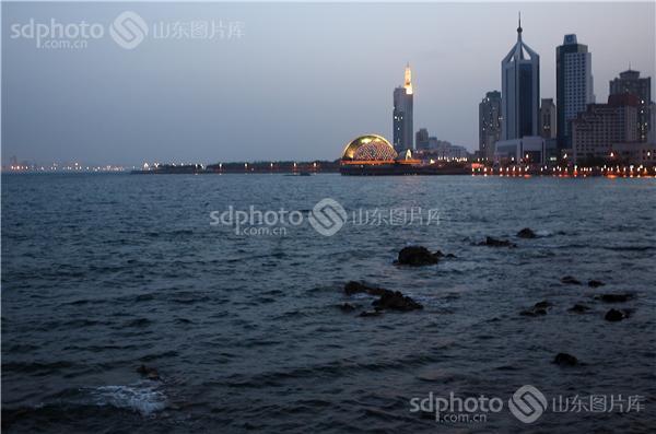 图片关键字:青岛,黄岛,海边,黄昏,风光,风景,夜景,海,大海,傍晚,青岛