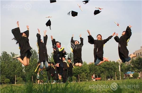 山东聊城:大学生毕业季致青春