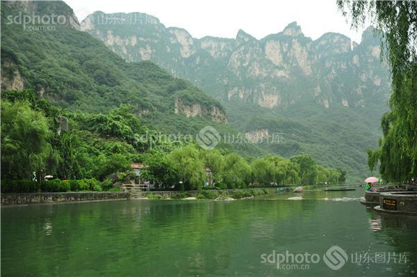 2013年12月1日,《河南省云台山景区保护条例》正式开始实施.