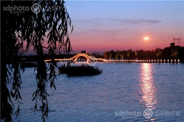 图片关键字:红莲湖,淄博