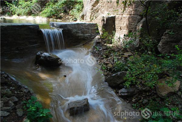 图片关键字:济南,浆水泉,风光,流水,浆水泉公园,风光摄影,风景,景点