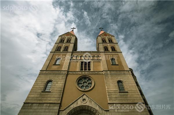 图片关键字:教堂,天主教堂,青岛,旅游,景点,建筑,欧式,哥特式,哥特式