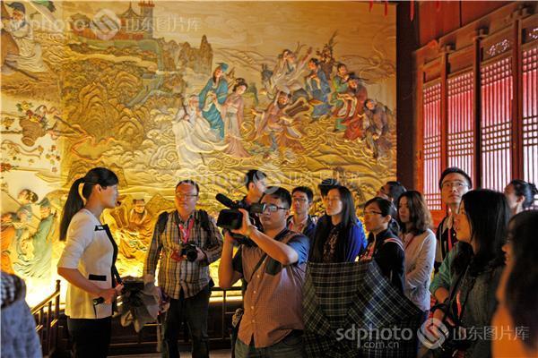 网络媒体行,媒体行,记者,记者团,采访团,蓬莱阁,,八仙过海,壁画,浮雕