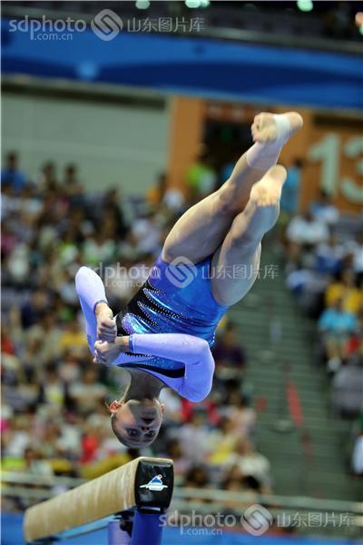 南京青奥会女子平衡木比赛