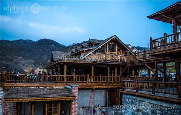 图片关键字:济南,九如山,九如山风景区,生态景区,自然景区,木屋,木