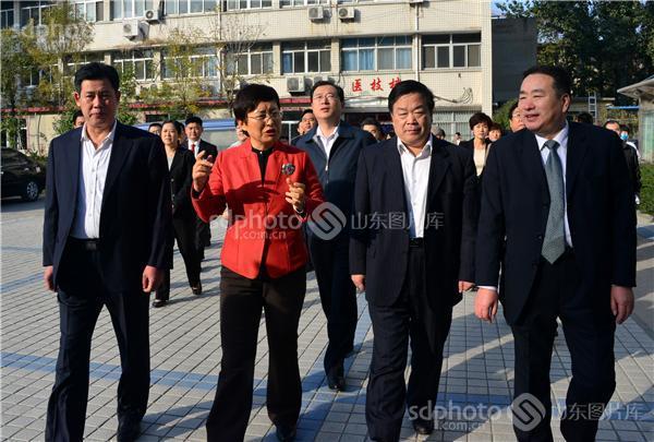 山东茌平:副省长王随莲在茌平县人民医院调研