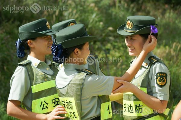 图片说明:威海刘公岛边防派出所女警
