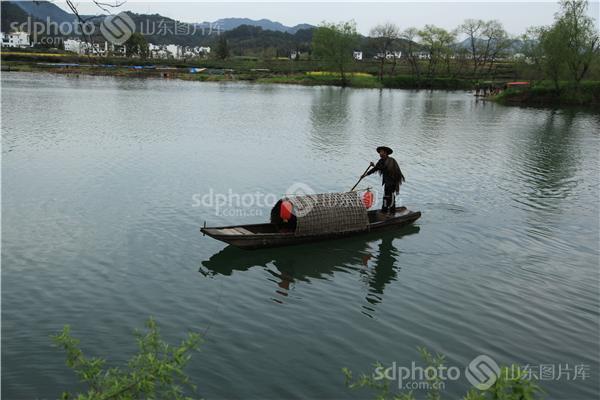 组图关键词:江南,春色,春,春天,春季,江西,婺源,南方,乌篷船,木筏