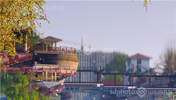 图片关键字:青岛,即墨,墨河公园,公园,城市风光,清晨,春天,早晨,春季