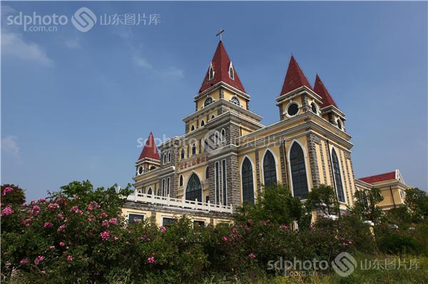青岛西海岸镜台山基督教堂