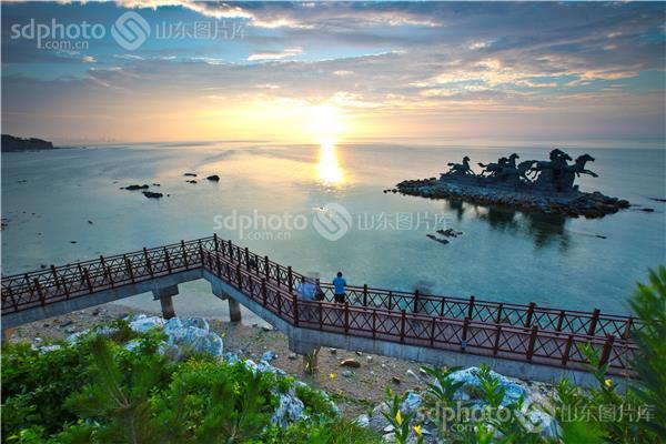 图片关键字:晚霞,云,大海,海滨,灿鸿,台风,慢门,夕阳,养马岛,烟台