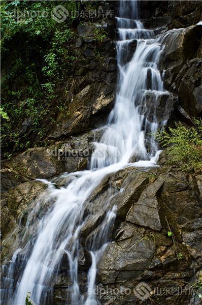 图片关键字:山石,瀑布,山泉,济南,西营镇,九如山瀑布,自然,自然风光