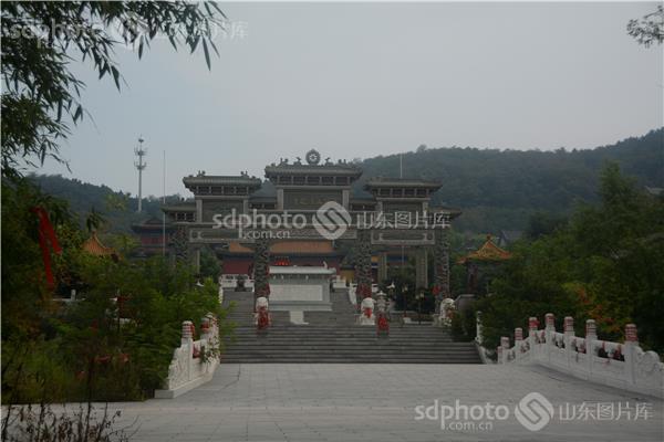 青岛旅游景点寺庙
