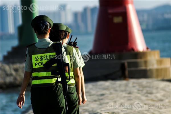 图片关键字:威海,刘公岛,边防,女兵,巡逻,海防,保卫,纪实,警花,人物