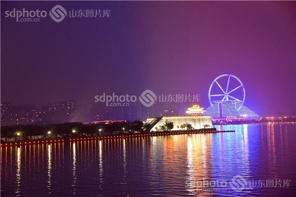 图片关键字:风景,东昌湖,湖泊,聊城 聊城市 湖 景区 景点 夜景 东昌
