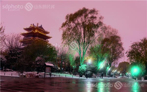 图片关键字:自然环境,大明湖,雪,济南,济南市,雪景,大雪,冬,冬季