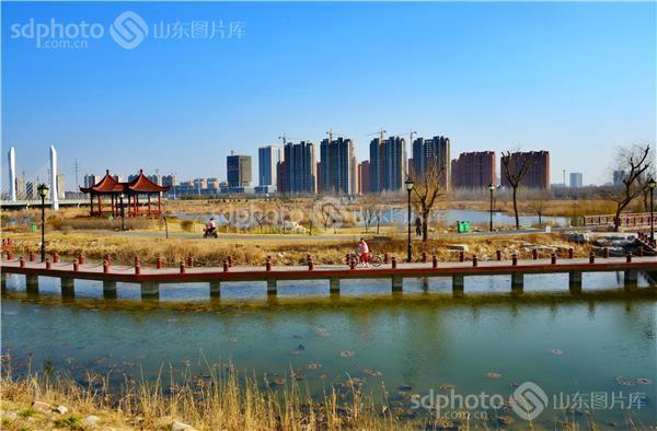 图片关键字:安丘风光,安丘旅游,湿地公园,公园,园林,青云湖国家湿地