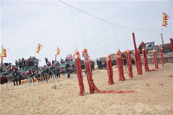 图片编号:362856 图片分类:齐鲁文化—民俗节庆 图片地区:青岛 下载