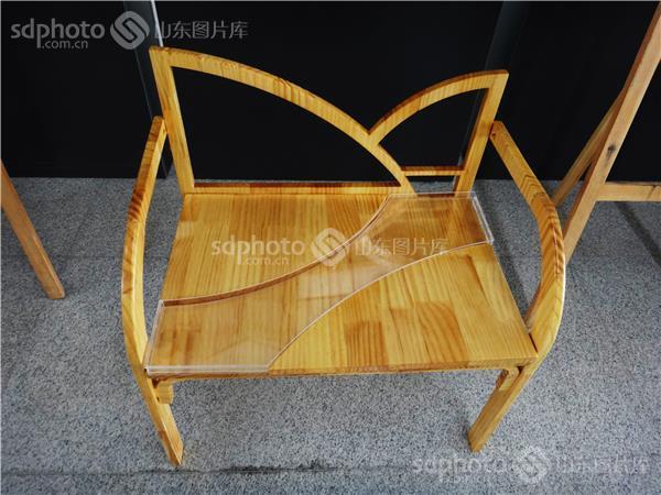 大学生家具设计毕业展作品——创意的椅子